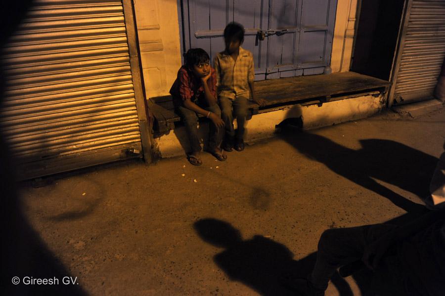 Children in Chawri Bazaar